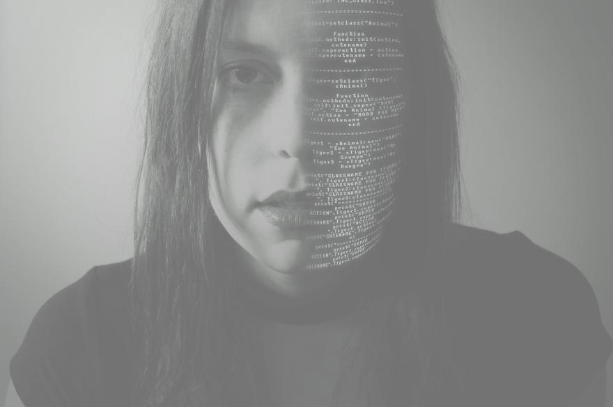 hacking-2275593_1920